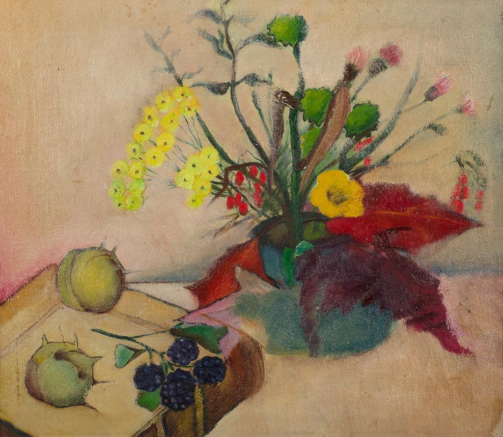 Stilleven met bloemen, boek, bramen en kastanjes
