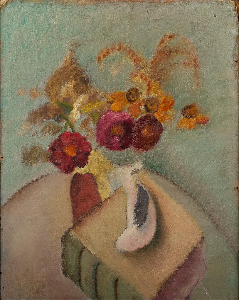 Stilleven met bloemen in vaas, boek en asbak