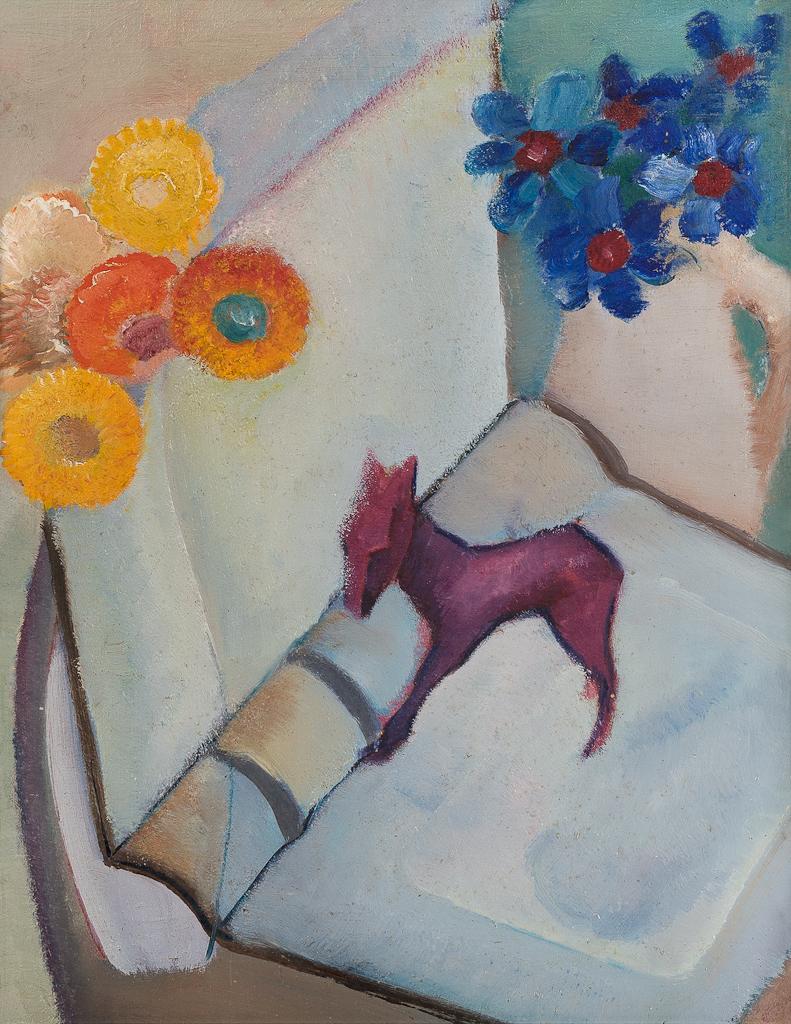 Stilleven met boek, paardje en bloemen in vaas
