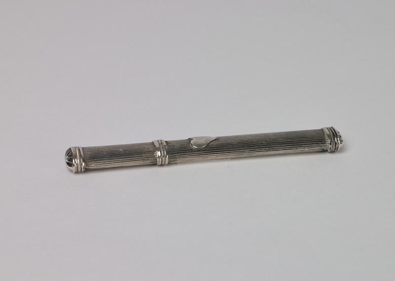 Zilveren naaldenkoker