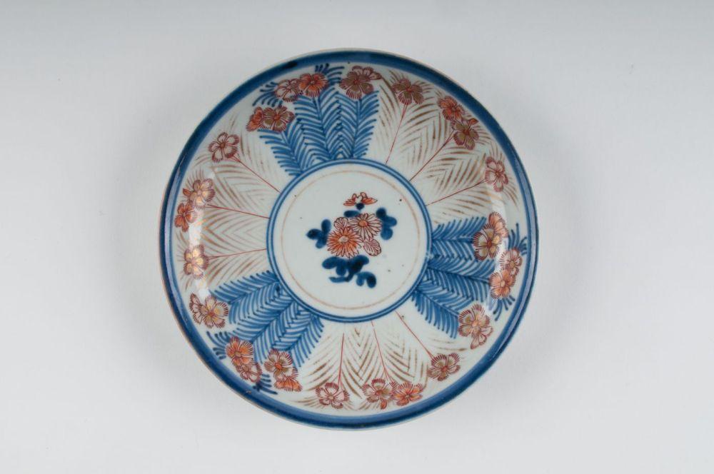 Japans imari bord met bloemdecor