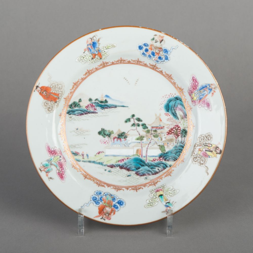 Bord van Chinees porselein met een schildering van landschappen