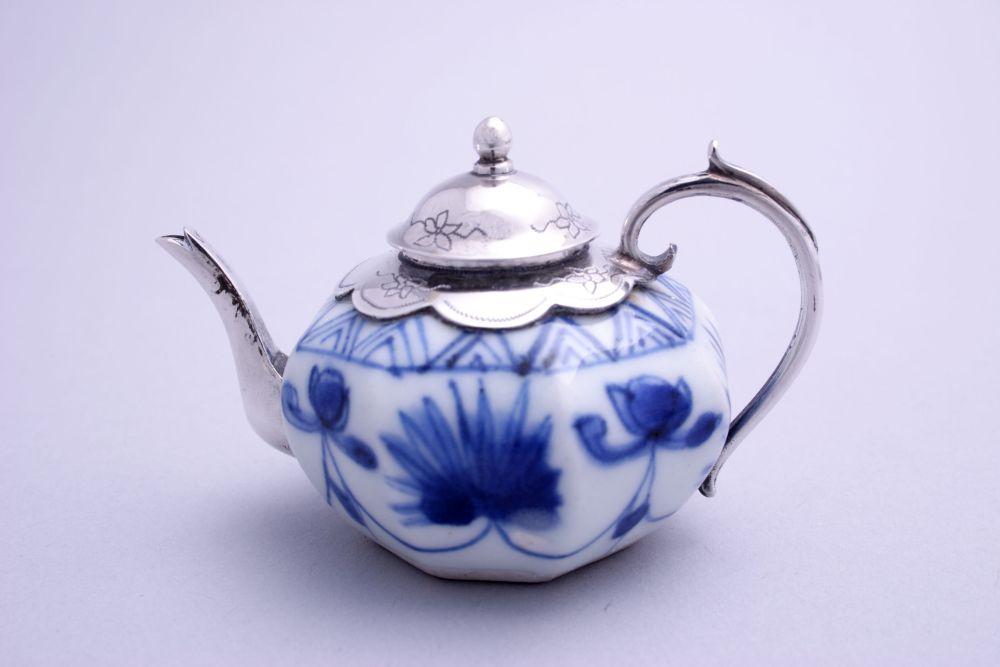 Chinees Qianlong miniatuur theepotje