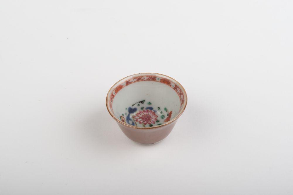 Chinese schaal met floraal decor