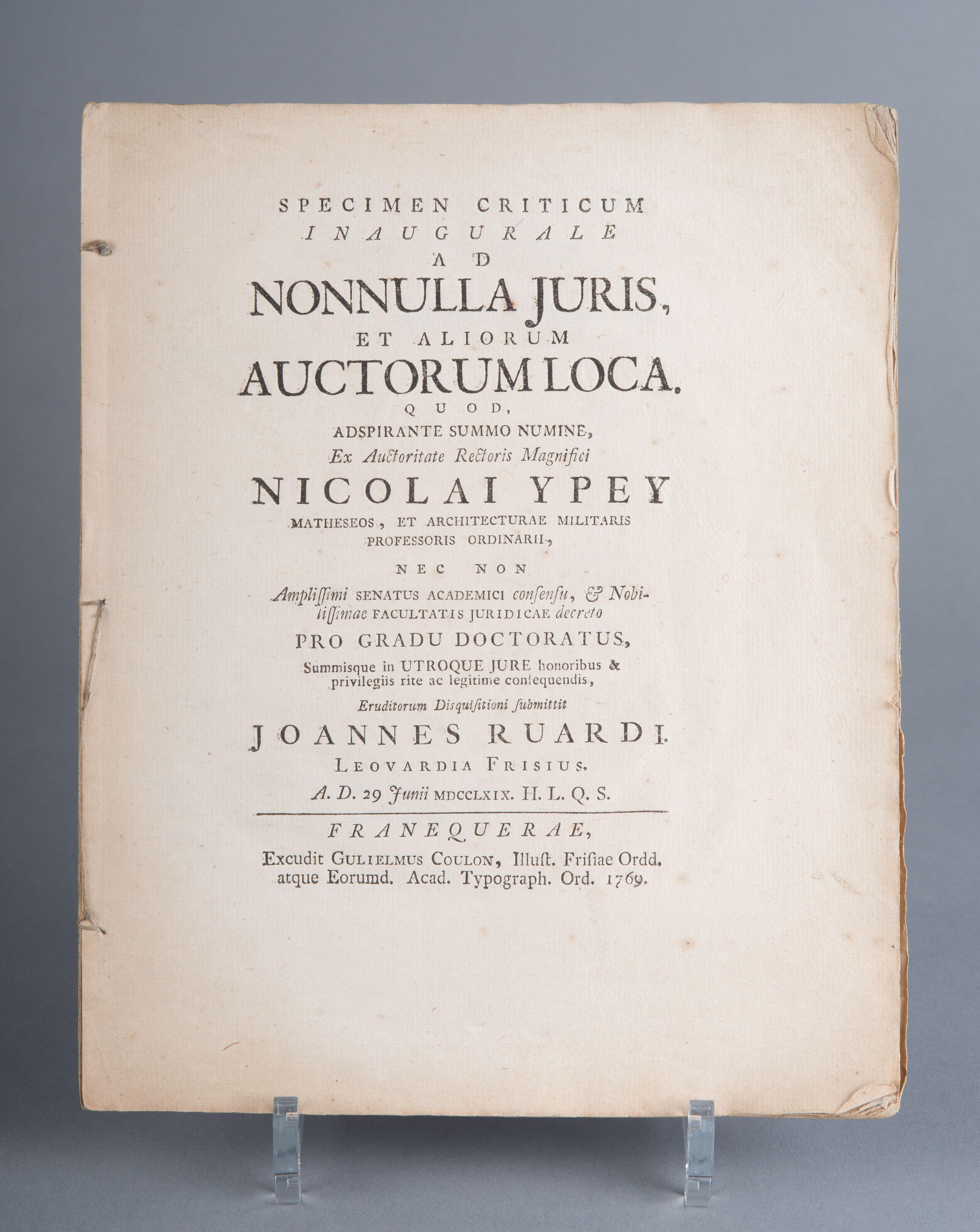 'Specimen criticum inaugurale ad nonnulla juris et aliorum auctorum loca'