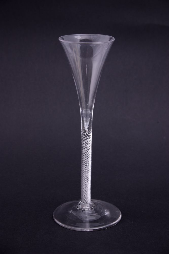 Fluitglas met pijpesteel