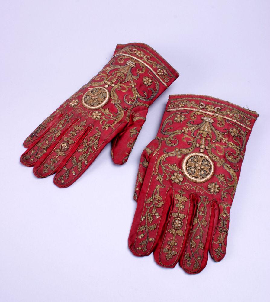 Geborduurde handschoenen