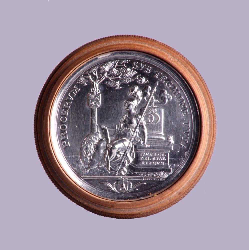 Zilveren gedenkpenning bij het 200-jarig bestaan van de Franeker universiteit