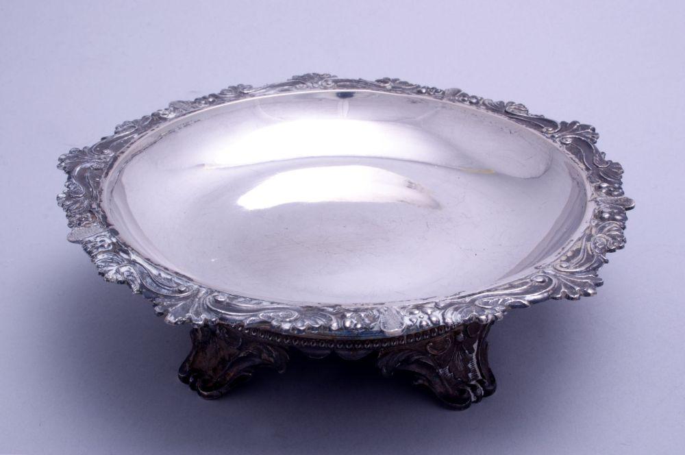 Zilveren flesonderzetter door K. Georgiades