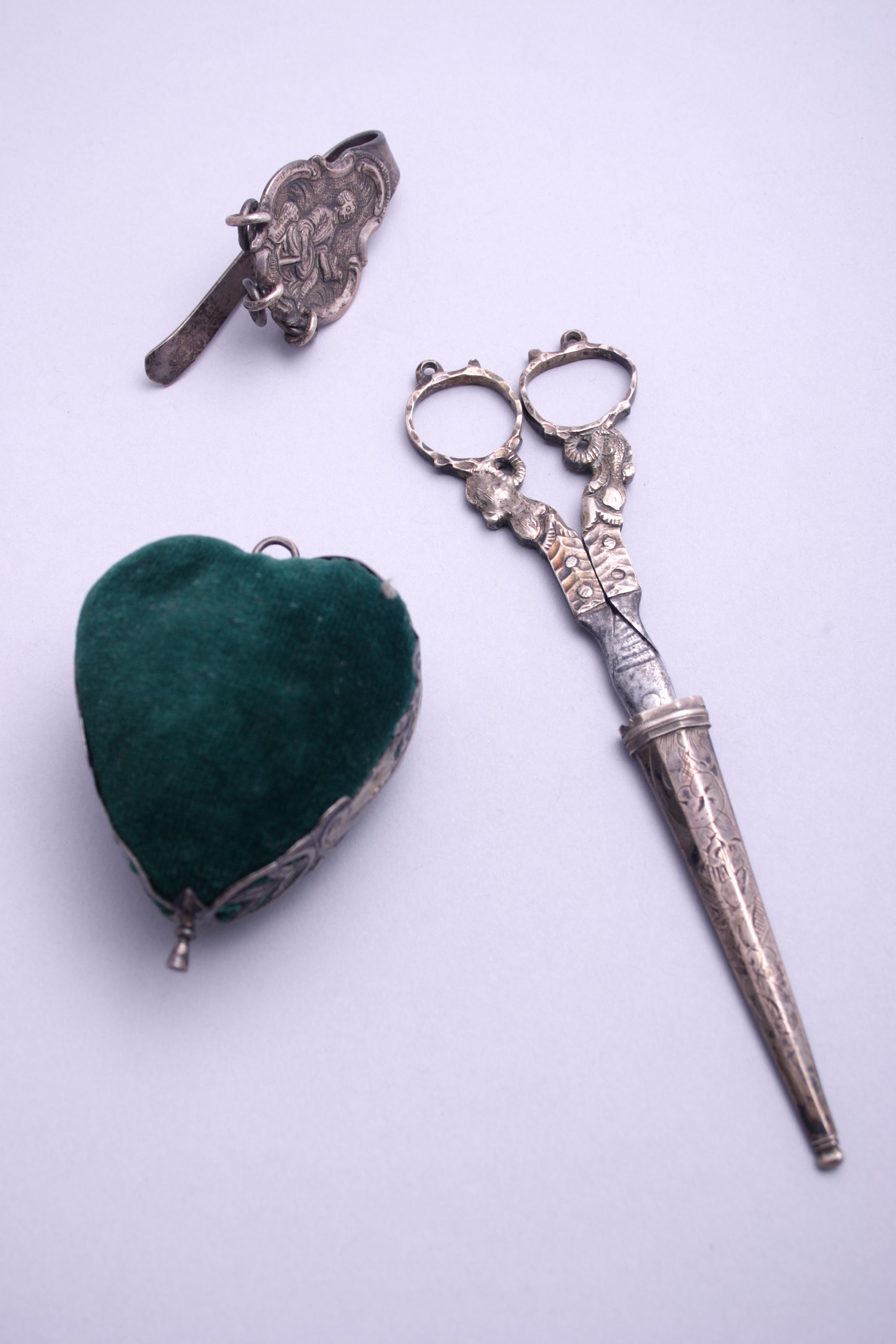 Zilveren schaar behorend bij een chatelaine
