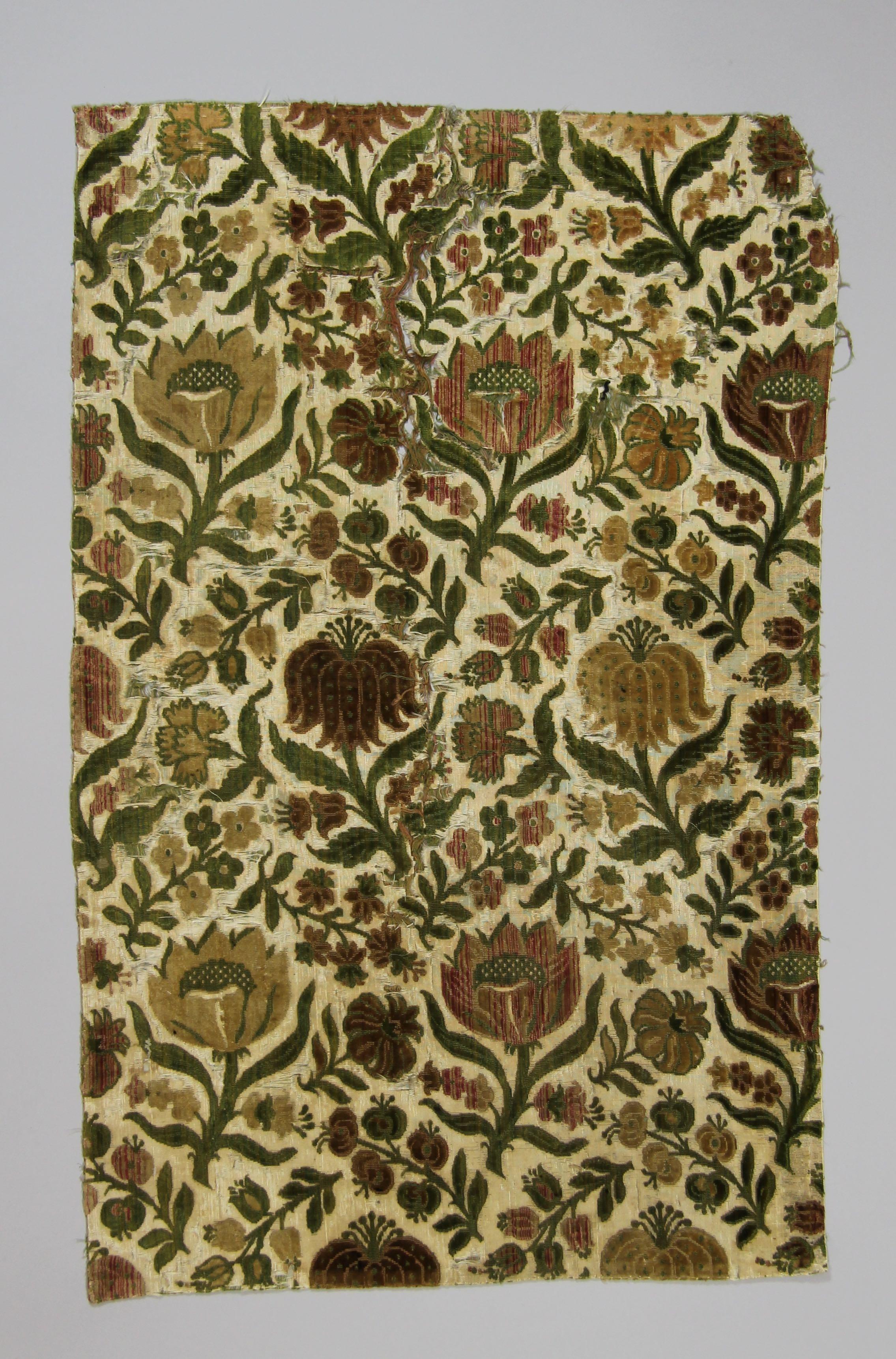 Panel of velvet (fragment)
