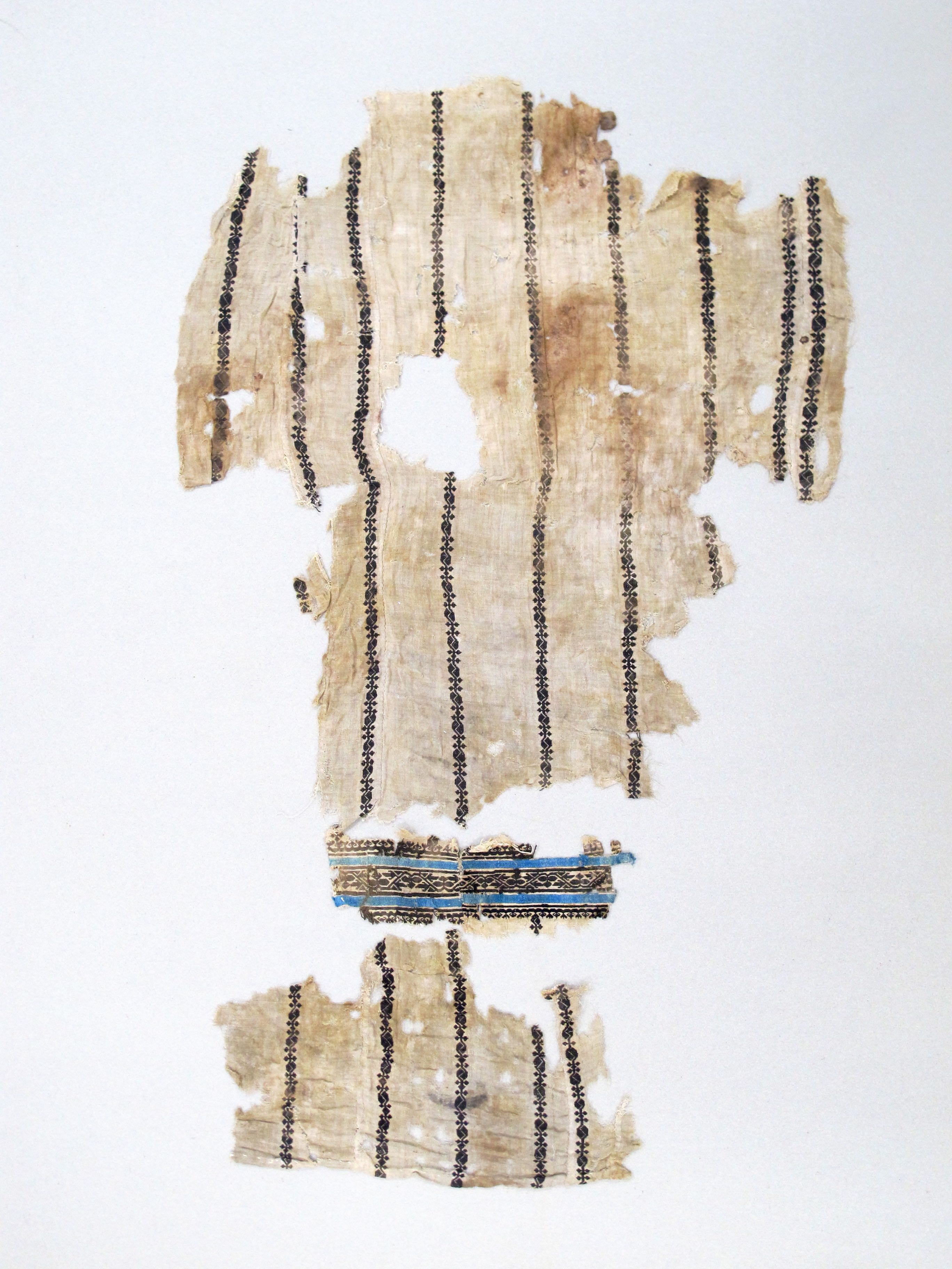 3 fragments of a tunic