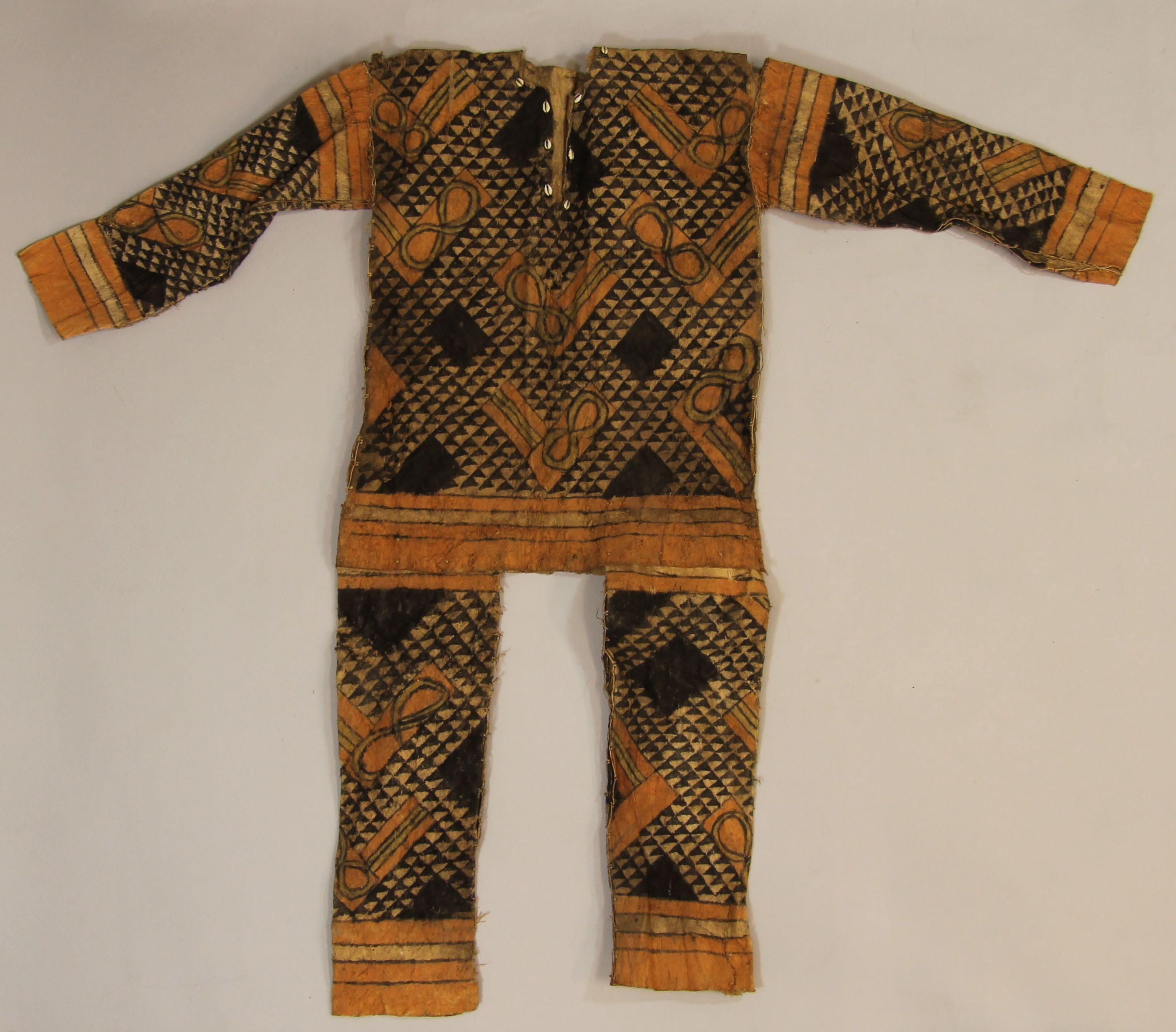 Painted tapa ritual costume