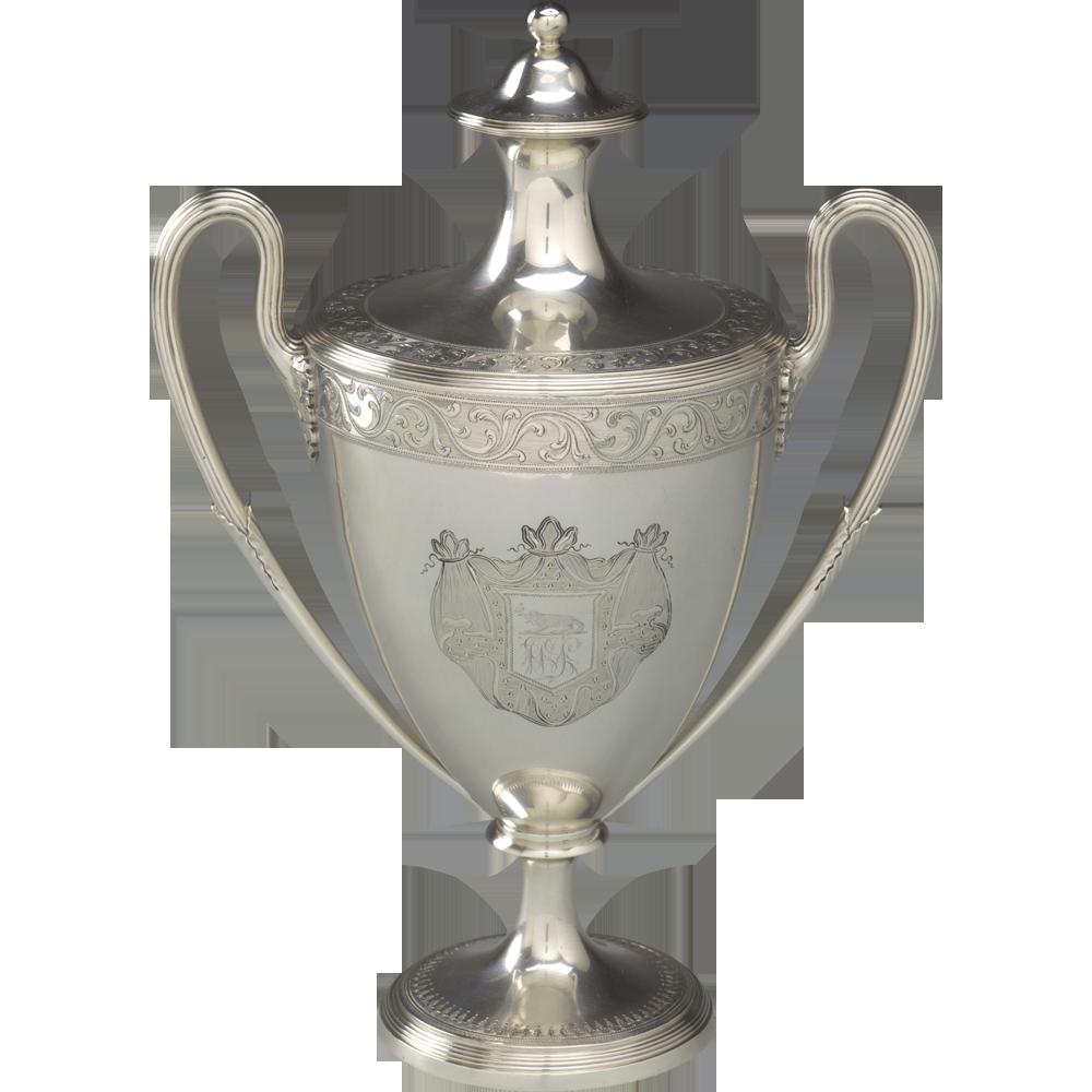Vaas met deksel, in 1795 door een aantal Kapiteins van de VOC geschonken aan W. Symons