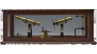 Instrument voor het testen van spiegels van sextanten