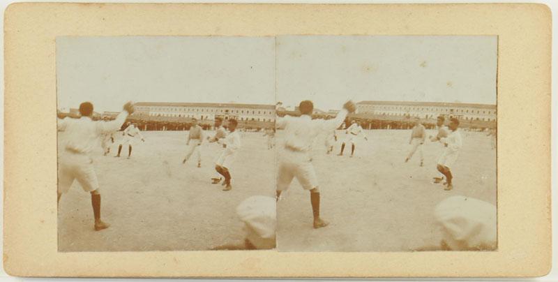 Eén van een serie van vier stereofoto's gemaakt te Port Mahon door W. Brunings tijdens zijn reis [...]