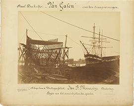 Het stalen barkschip Van Galen in aanbouw op de werf De...