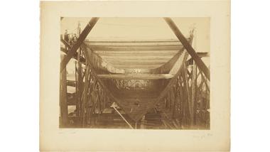 Foto's van het stalen barkschip Van Galen in aanbouw op de...