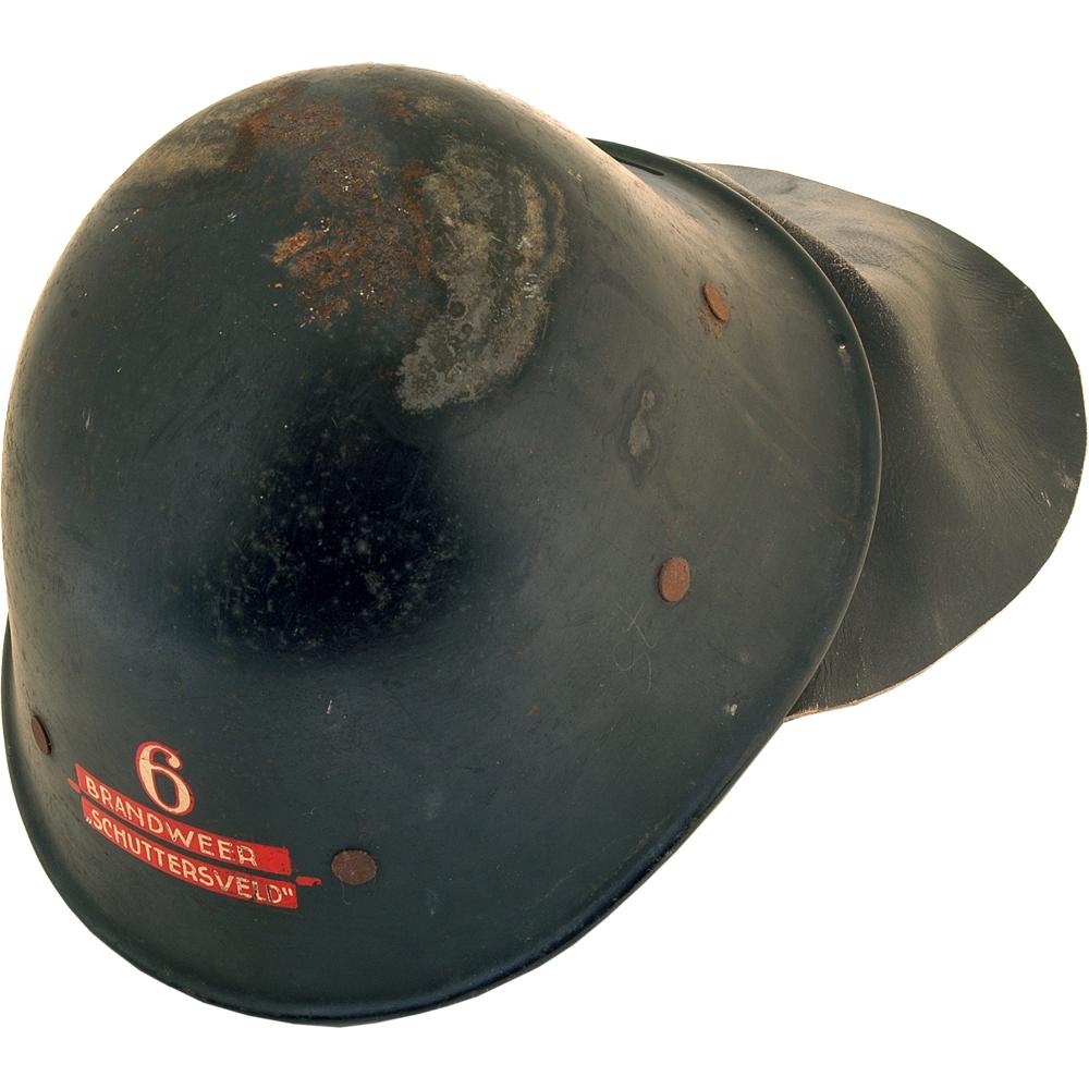 """Brandweerhelm: """"6 Brandweer Schuttersveld"""", van Heek & Co."""
