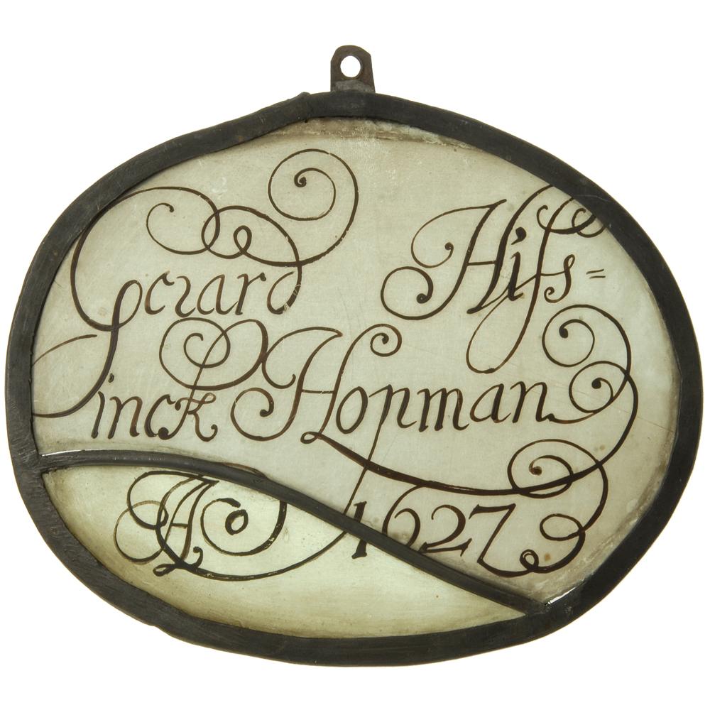 "Glas-in-lood raam: ""Gerard Hissinck Hopman Ao 1627"""