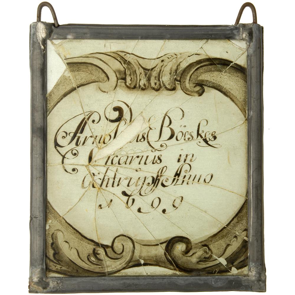"Glas-in-lood raam: ""Arnoldus Böeskes Vicarius in Ochtrupff Anno 1699"""