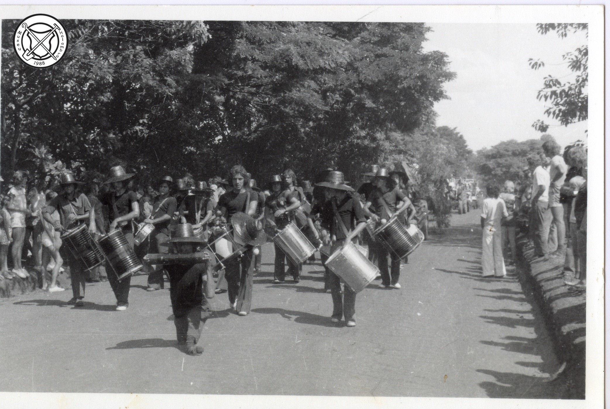 De drumband van een sambaschool