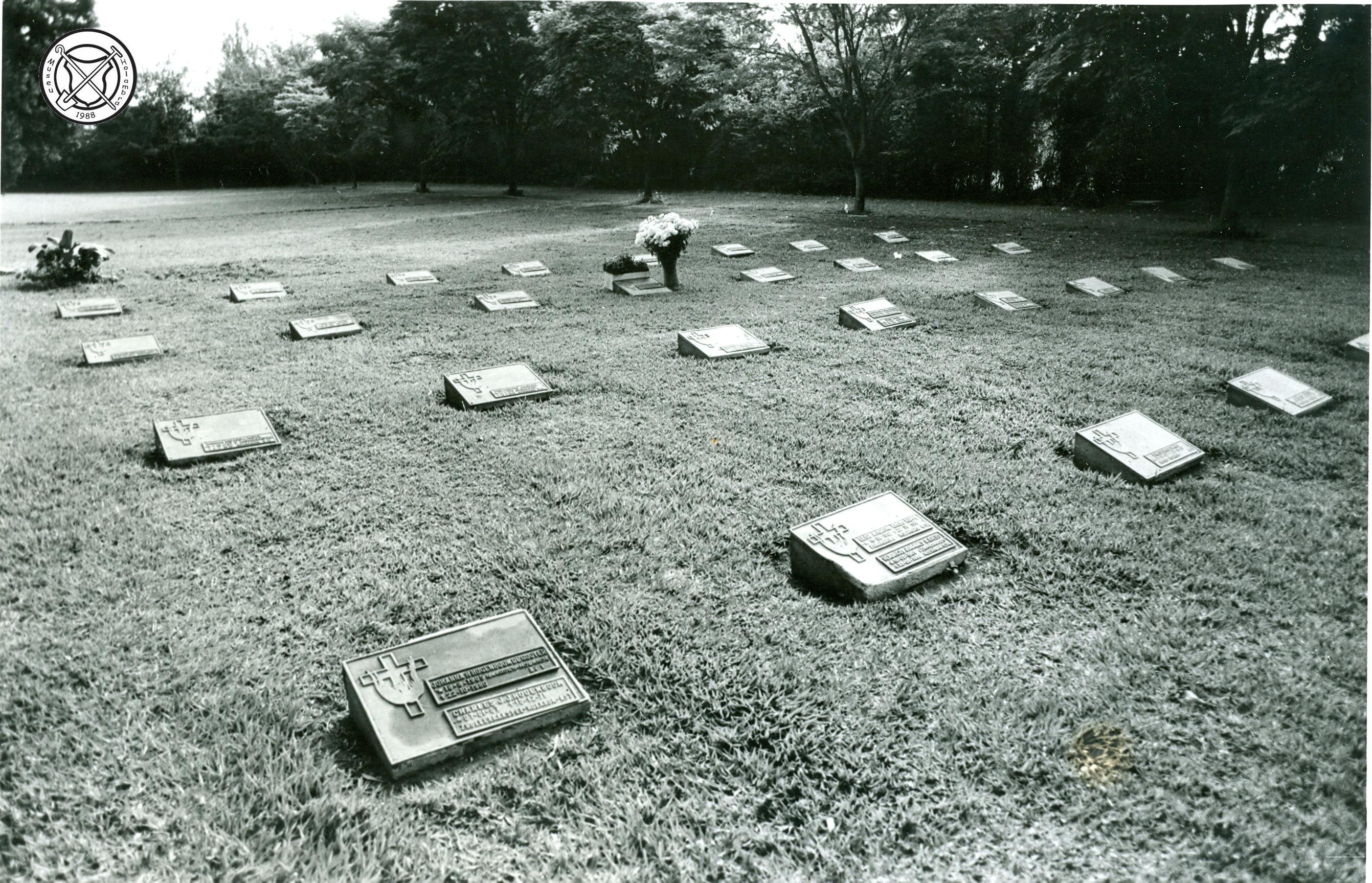 Graven op het kerkhof van Holambra