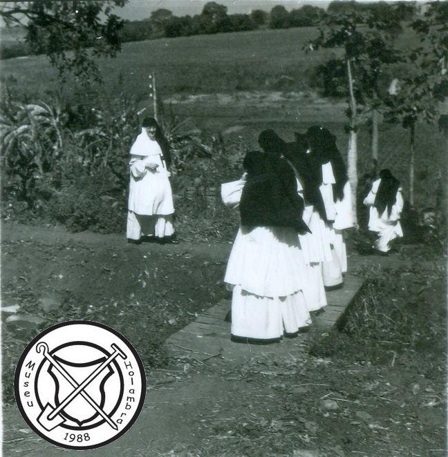 Zusters op weg naar de groentetuin