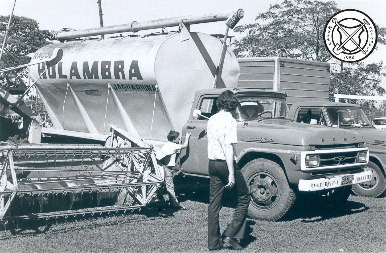 De eerste bulkvrachtwagen (tankwagen)