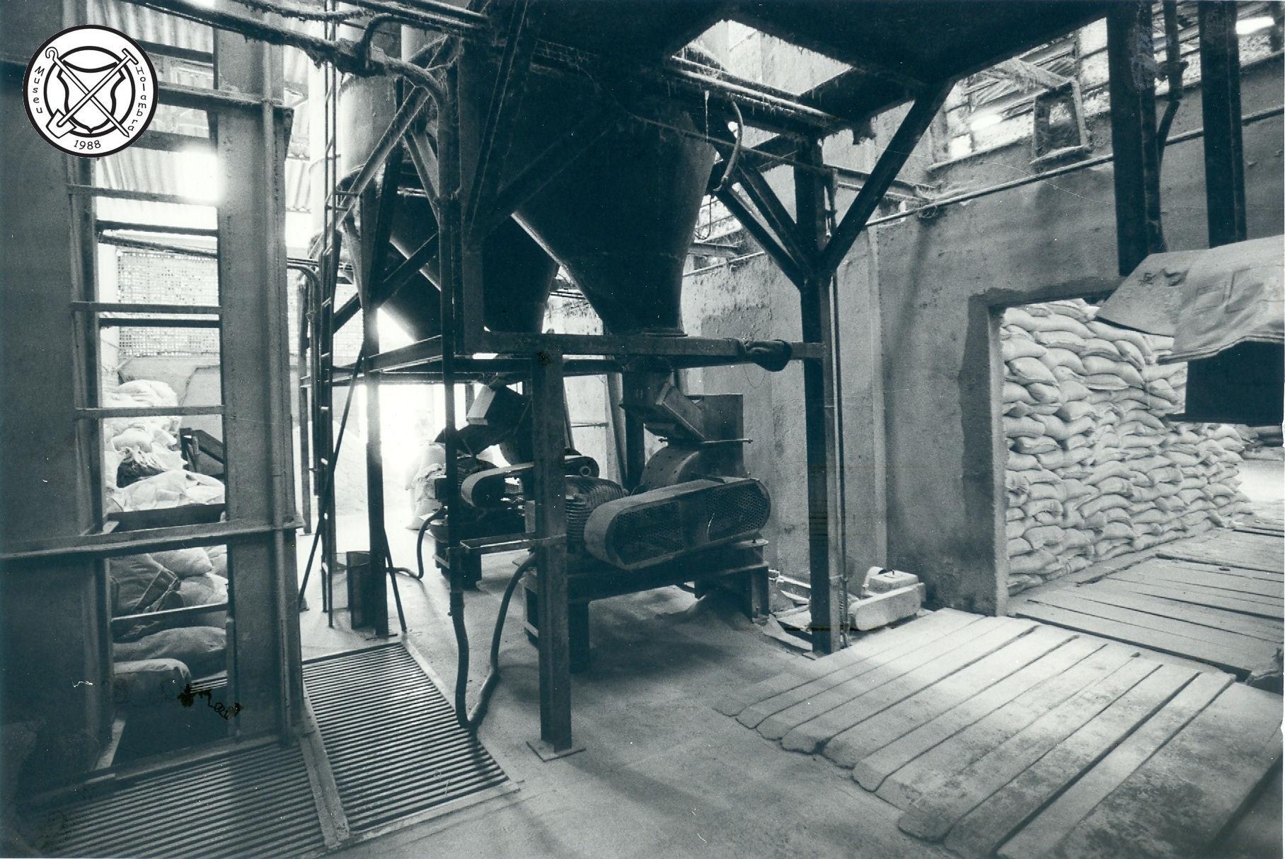 Binnen de mengvoerfabriek