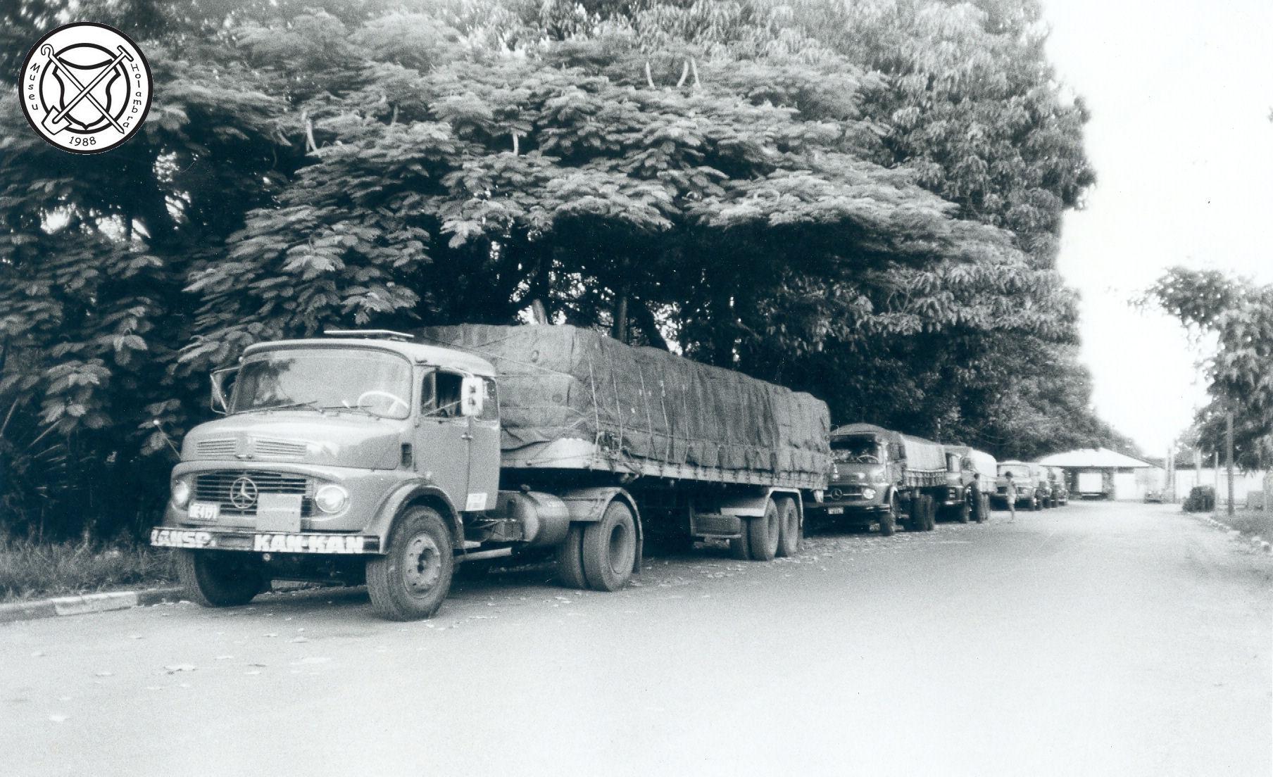 Vrachtwagens, vooraanzicht
