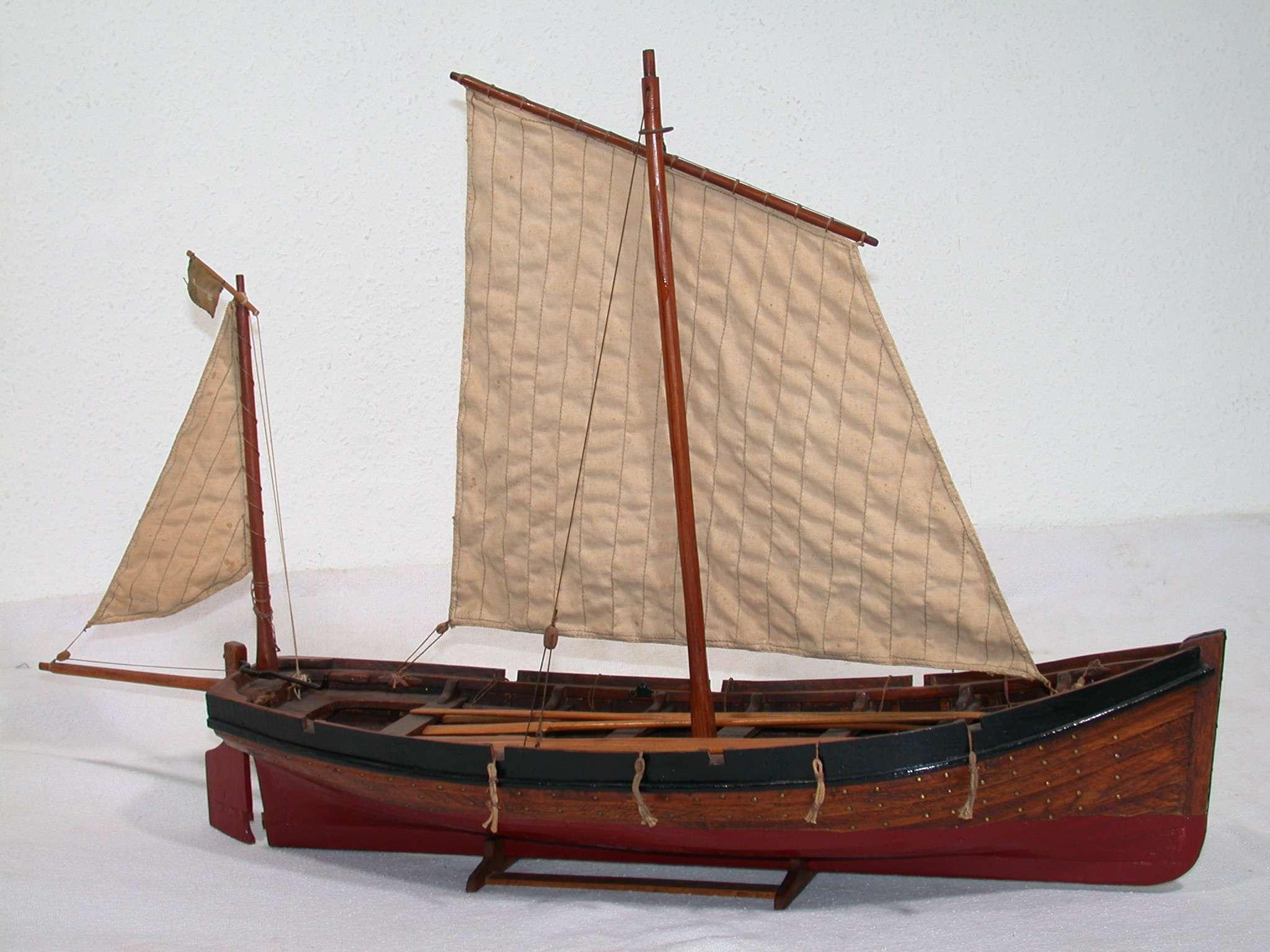 Volmodel van een z.g. roeisloep of Wherry gebruikt door het Loodswezen te Vlissingen als redeboot, ca. 1900